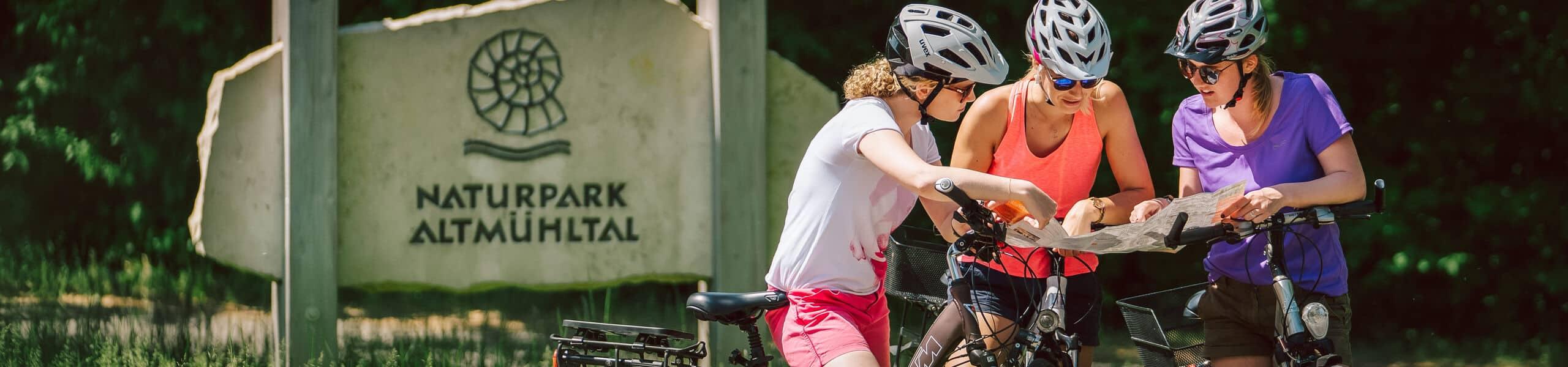 Radfahrer im Naturpark Altmühltal bei Beilngries