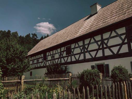 Freilandmuseum Oberpfalz in Neusath-Perschen: Außenaufnahme Sti