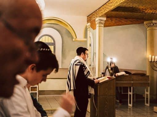 Beten in der Synagoge