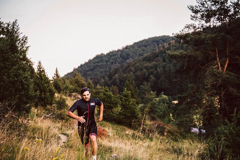 Sven joggt durch das Lauterachtal