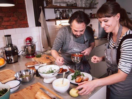 zum-glueck-zurueck_weiden_nina&veljas-kitchen_nina&velja-anricht