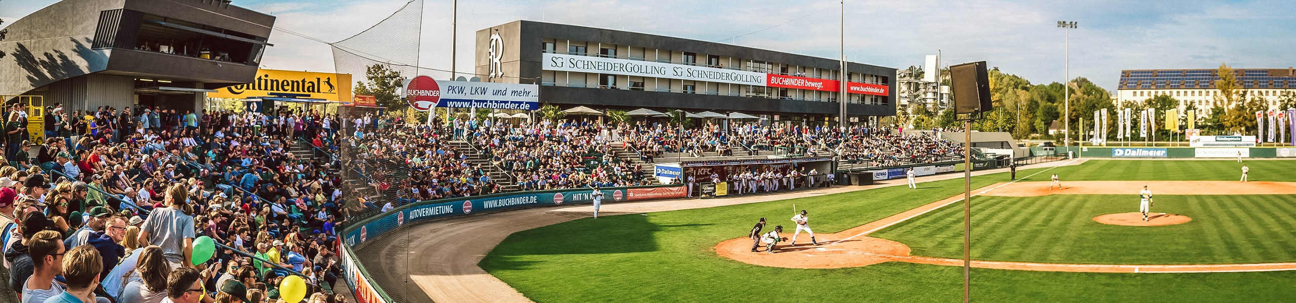 baseball_legionaere_stadion_internat_zuschauer