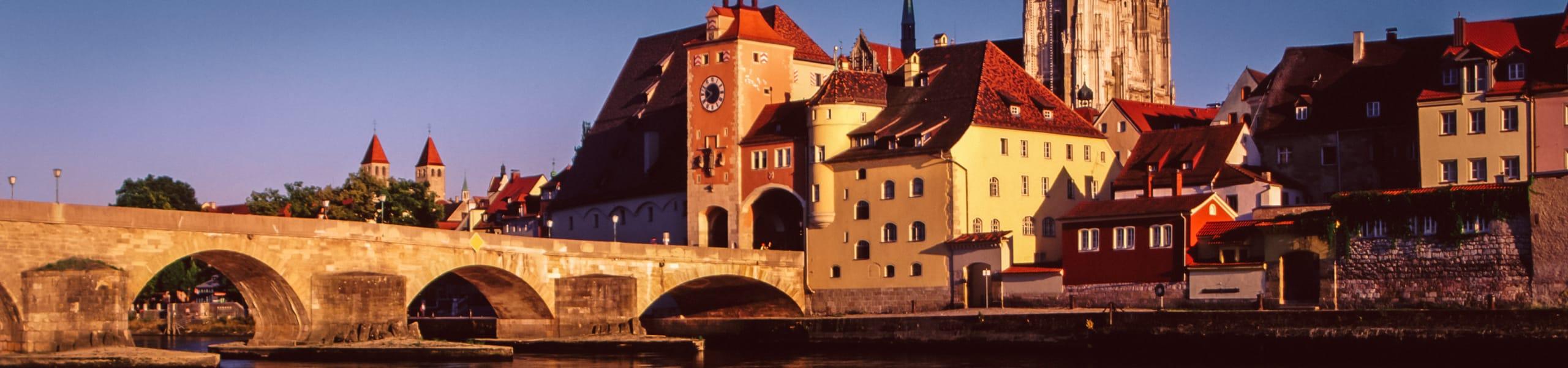 Die Stadt Regensburg hat zahlreiche Facetten und Geheimnisse. Teste dein Wissen über die Hauptstadt der Oberpfalz in unserem Quiz.